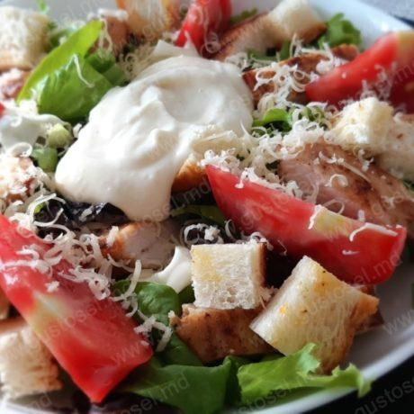 Salata Caesar (Cezar)